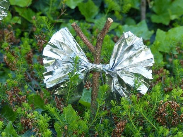 Signal For Help | Uncommon Uses For Aluminum Foil